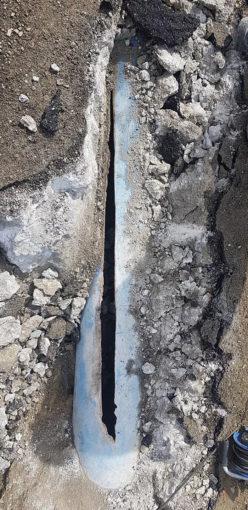 Impresa trancia la condotta Menta e la copre con il cemento 95 248x510