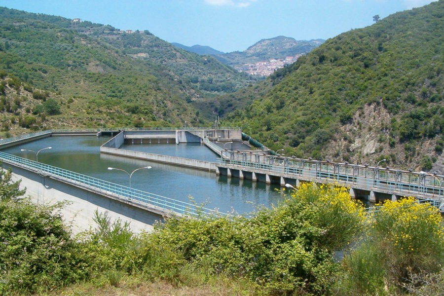 Magisano, aperto il cantiere per la messa in sicurezza delle vasche Acquedotto Simeri Passante Vasche di demodulazione di Magisano 02 900x600